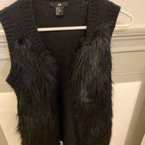 H&M sweater vest with faux fur